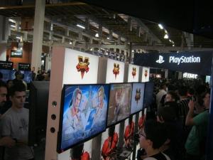 Street Fighter V - melhor jogo da feira, na minha humilde opinião.