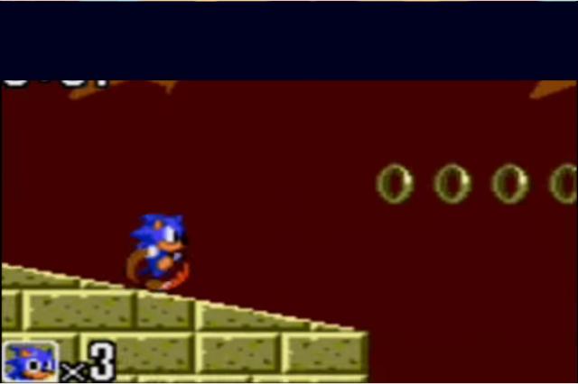 Ficava mais ou menos assim a imagem. Infelizmente não posso mostrar o resultado real, pois o meu primeiro Game Gear deixou de funcionar já tem um bom tempo.