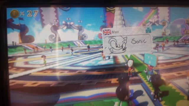 Falando em SEGA, olha o que eu vi logo no primeiro dia com o console, testando Nintendoland. O Matt fez um amigo este dia e nem sabe.