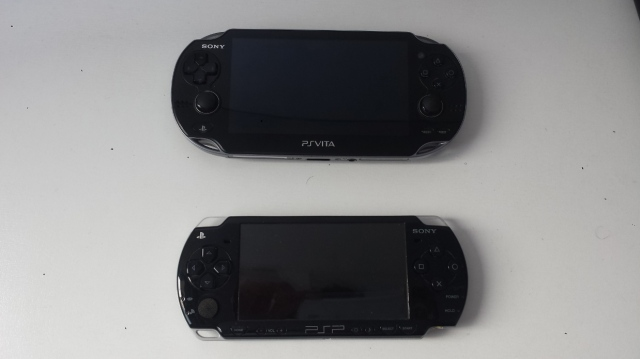 Claro que cada um tem seu gosto, mas o design do Vita impressiona bastante até mesmo perto do PSP.