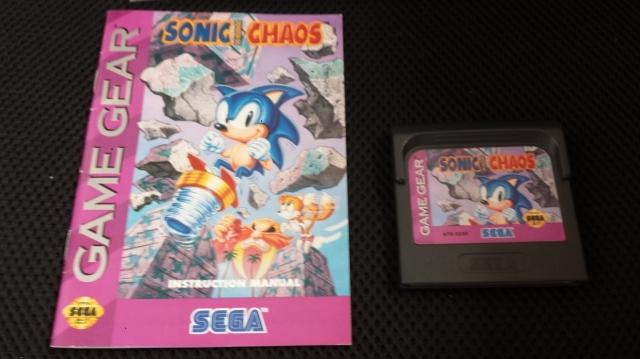 Manual e cartucho da versão americana para Game Gear. Único que tenho na coleção aqui.