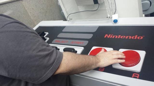 Controlão do NES: diversão garantida, dificuldade extra também!